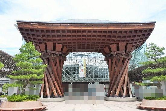 金沢駅の鼓門