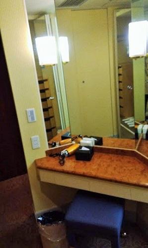 ドレッサーは3面鏡