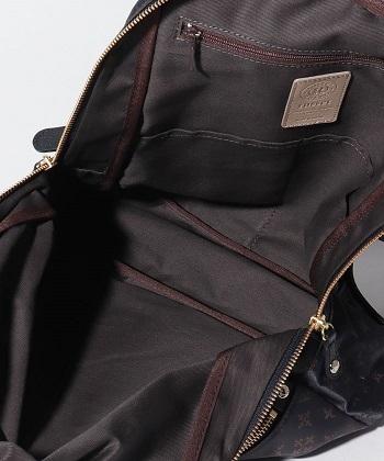 バッグの内側