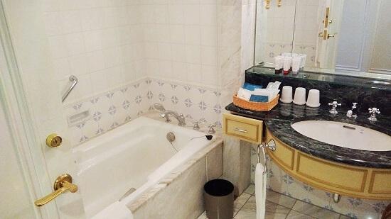 お風呂と洗面スペース