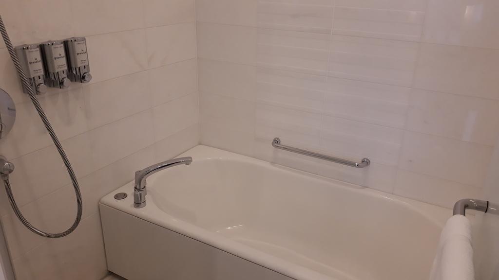 シェラトングランドホテル広島 クラブキングルーム バスルーム