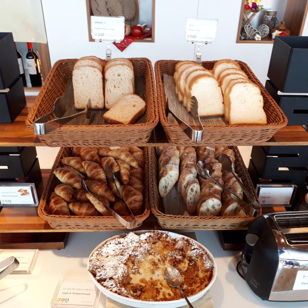 シェラトングランドホテル広島 ブッフェレストラン ブリッジ 朝食 パンコーナー
