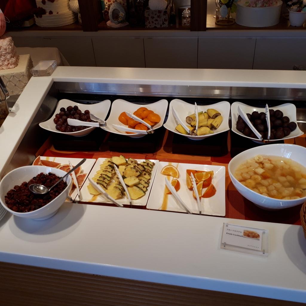 シェラトングランドホテル広島 ブッフェレストラン ブリッジ 朝食 フルーツ