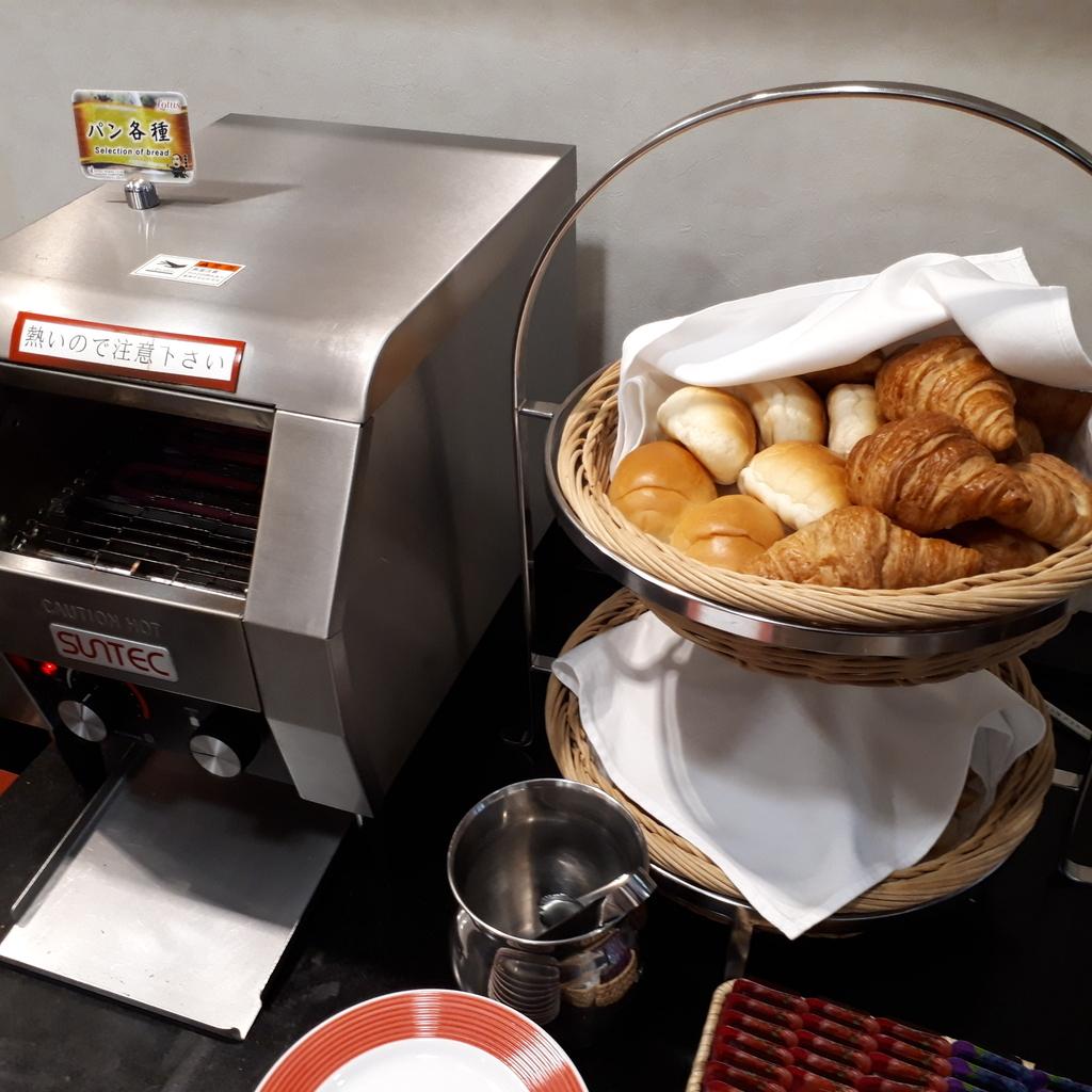 ホテル法華クラブ鹿児島 朝食 パン