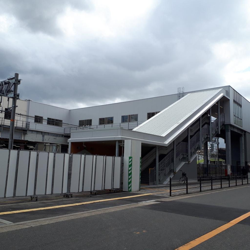 JR東淀川駅西口