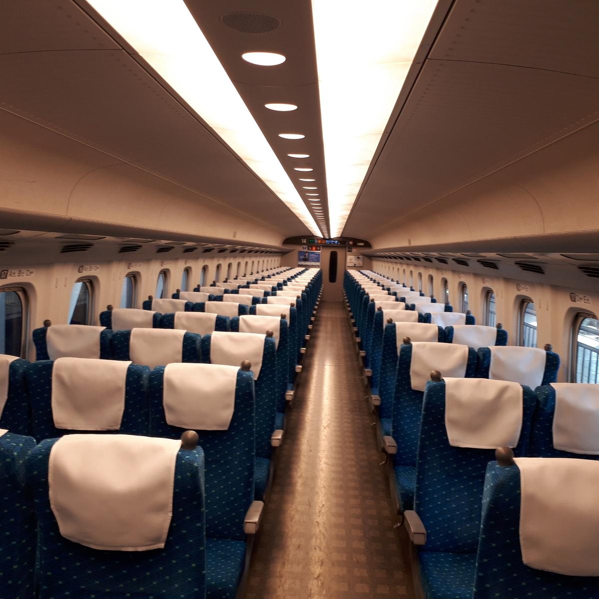 新幹線N700系 のぞみ 普通車