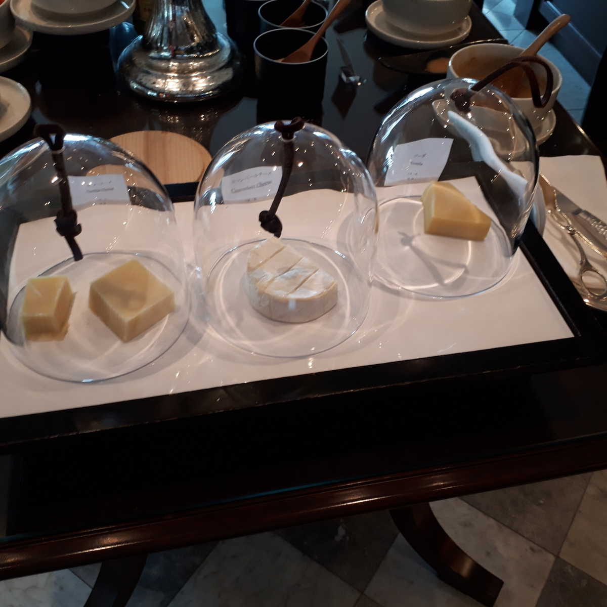 リッツカールトン大阪 クラブラウンジ 朝食 チーズ