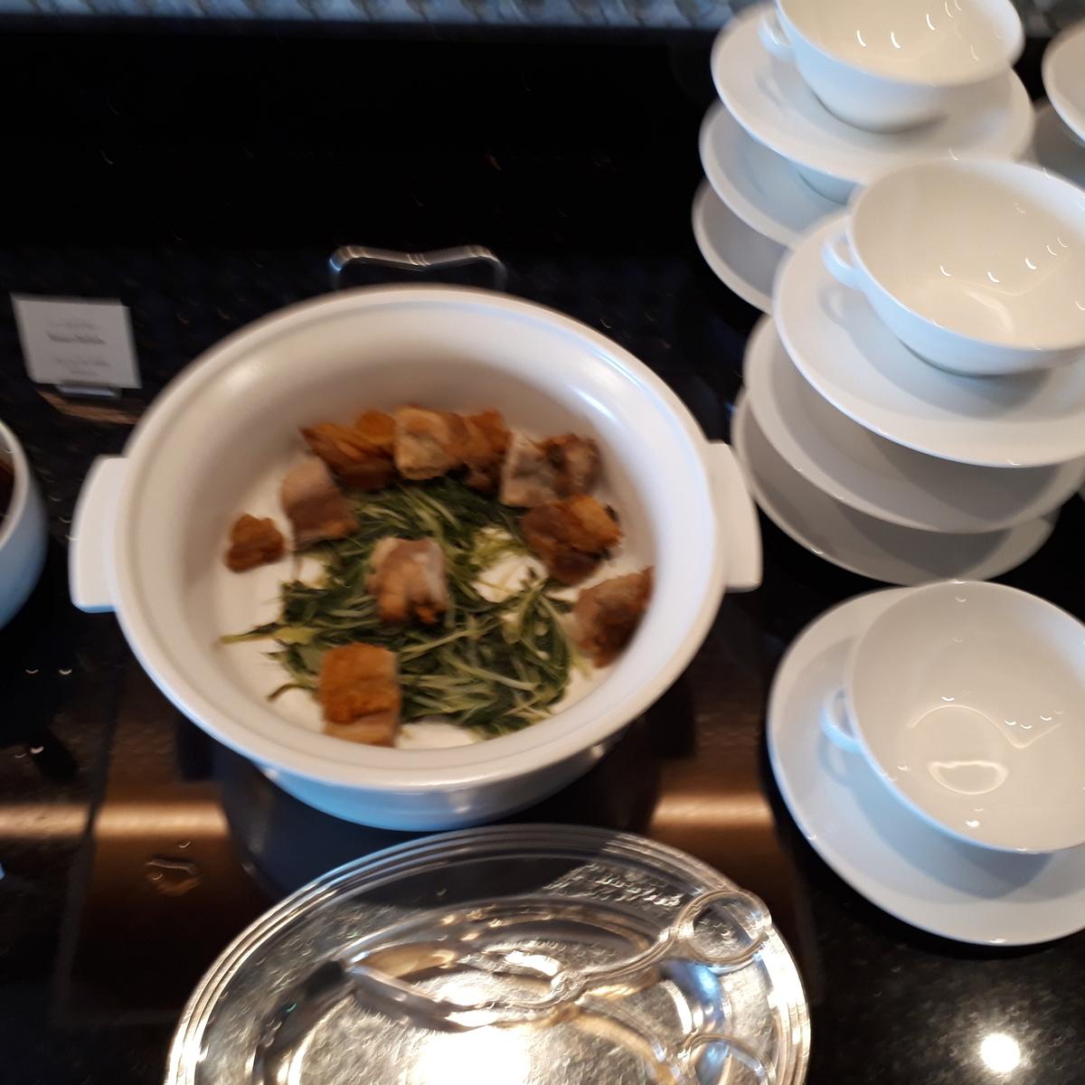 リッツカールトン大阪 クラブラウンジ 軽食 ローストチキン
