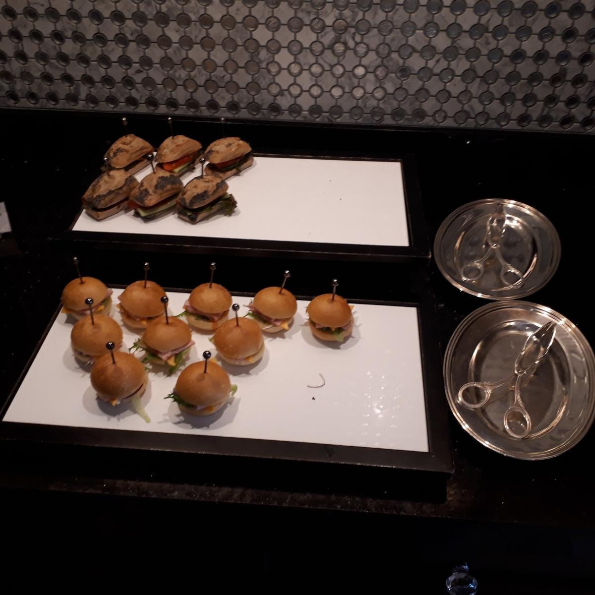リッツカールトン大阪 クラブラウンジ 軽食 サンドイッチ
