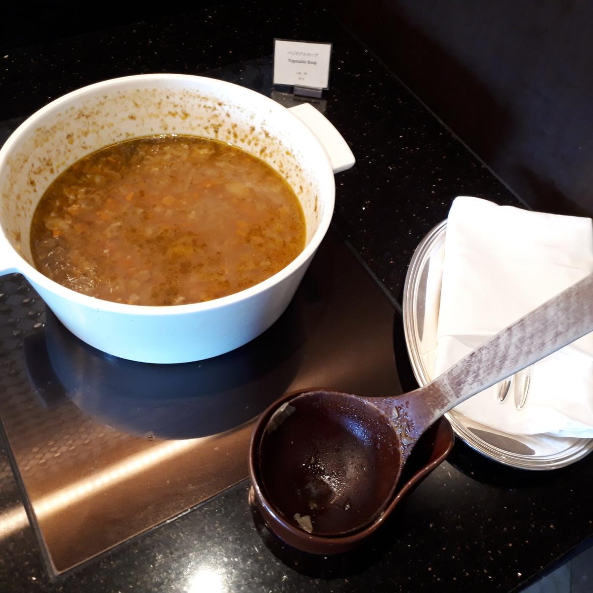 リッツカールトン大阪 クラブラウンジ 軽食 ベジタブルスープ