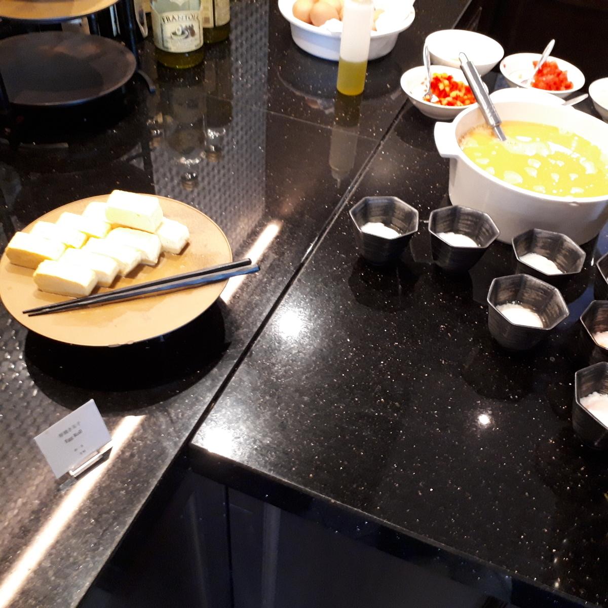 リッツカールトン大阪 クラブラウンジ 朝食 だし巻き卵 ライブキッチン