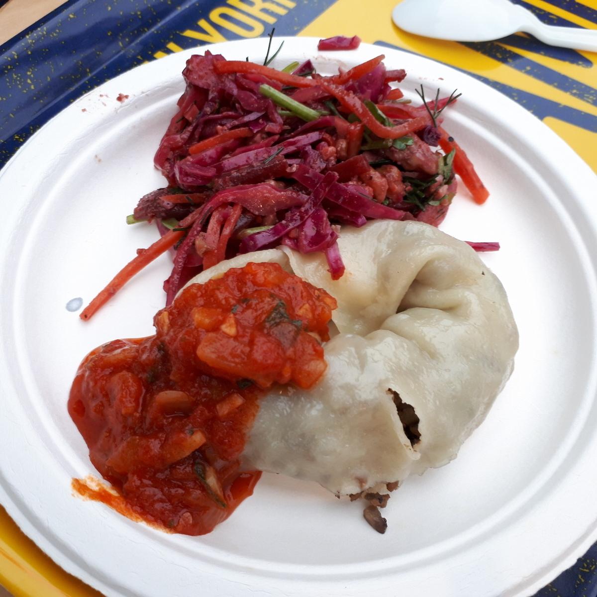 カレー事情聴取スパイス定食&バルVol.6 2019年7月21日 むむ屋 ブリヤートのうずまき餃子 ロシアのビーツとパクチーのサラダ