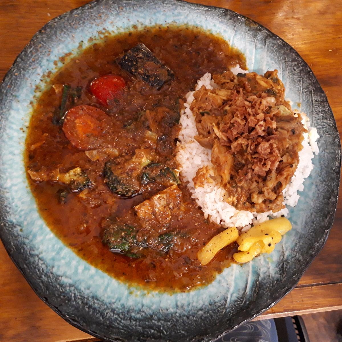 wacca 2019年8月3日 鶏と鰹の出汁カレーとパキスタン式無水チキンのダブルチキンカレー
