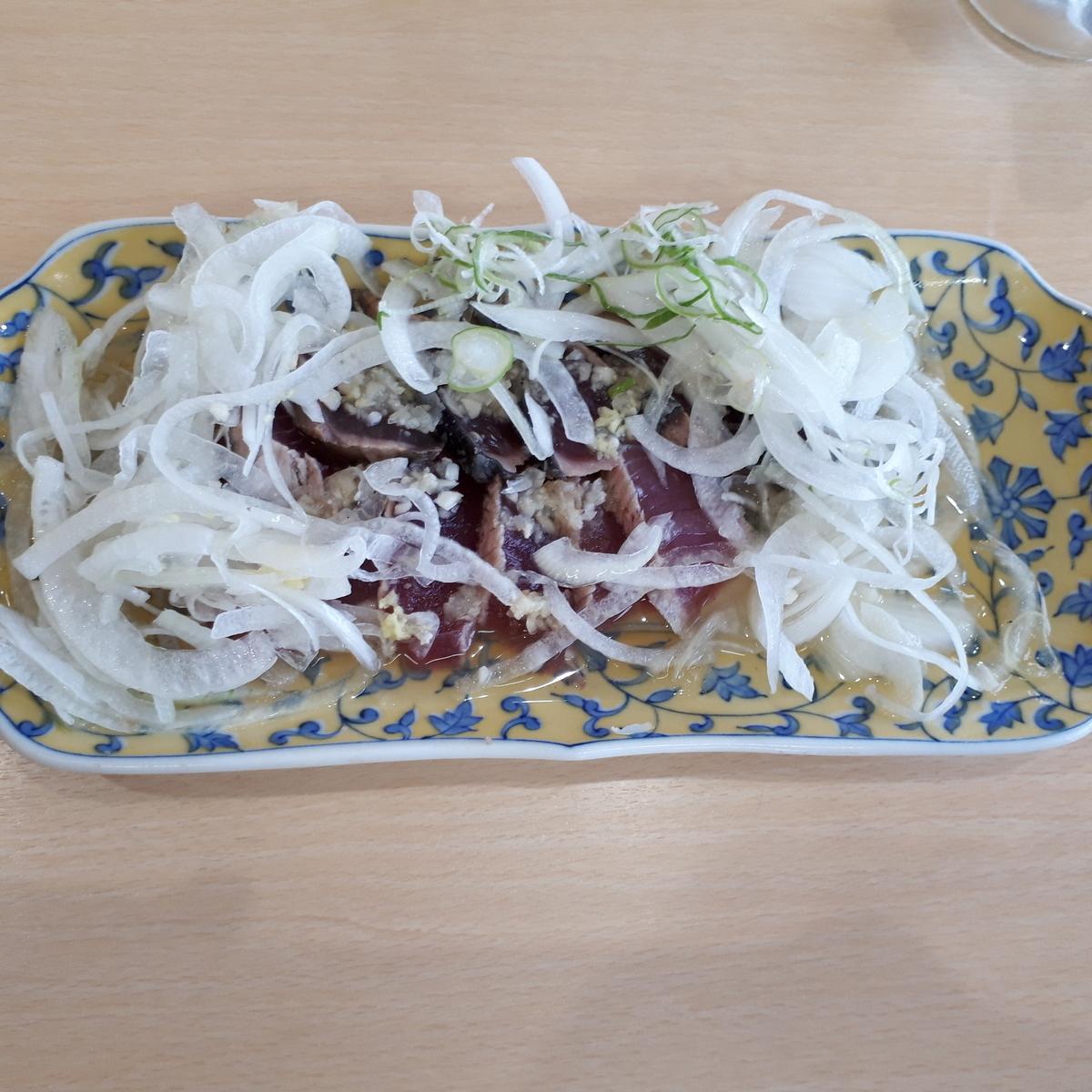 山川駅前 旅館 くり屋 食堂 かつおのたたき