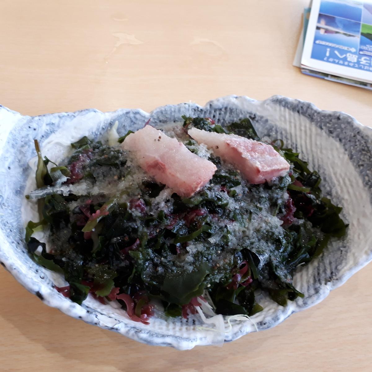 山川駅前 旅館 くり屋 食堂 海藻サラダ