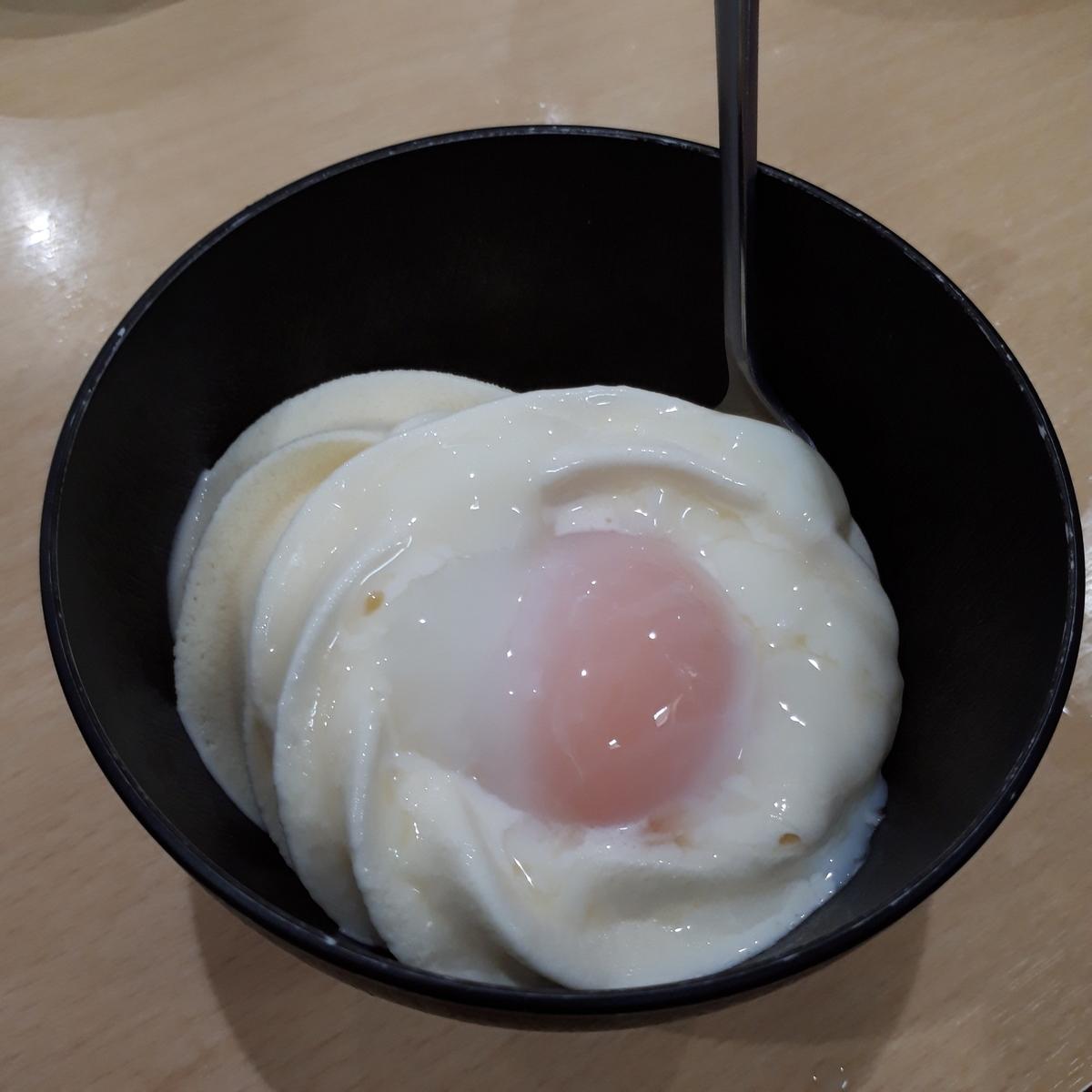 山川駅前 旅館 くり屋 食堂 温玉ソフトクリーム