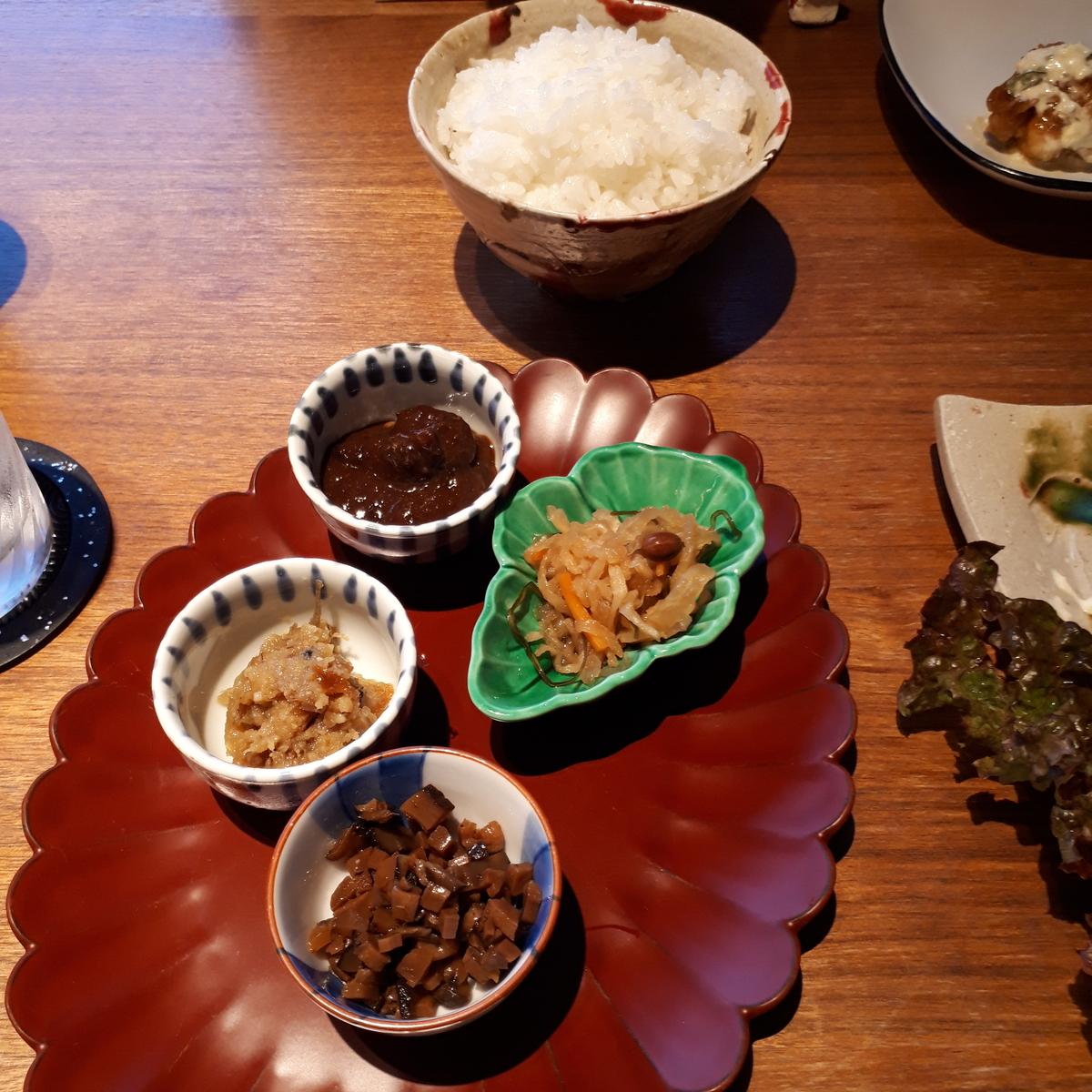 シェラトングランデオーシャンリゾート 米九 ご飯の「あて」三種盛り 柚子みそ 千切り大根まだか漬け どんこ椎茸と筍の山椒煮 油みそ