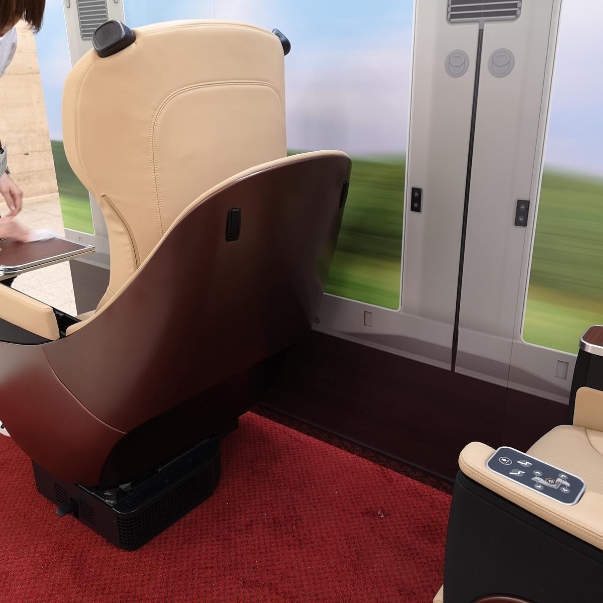 近鉄 80000系 名阪特急 ひのとり プレミアム車両 プレミアムシート