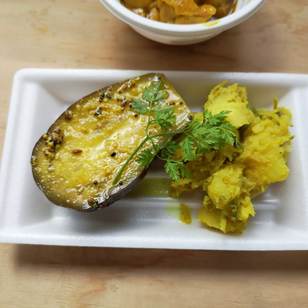 カレー事情聴取スパイス定食&バルVol.7 2019年10月20日 虹の仏 シラスと野菜のチョッチョリ ナスのマスタード煮