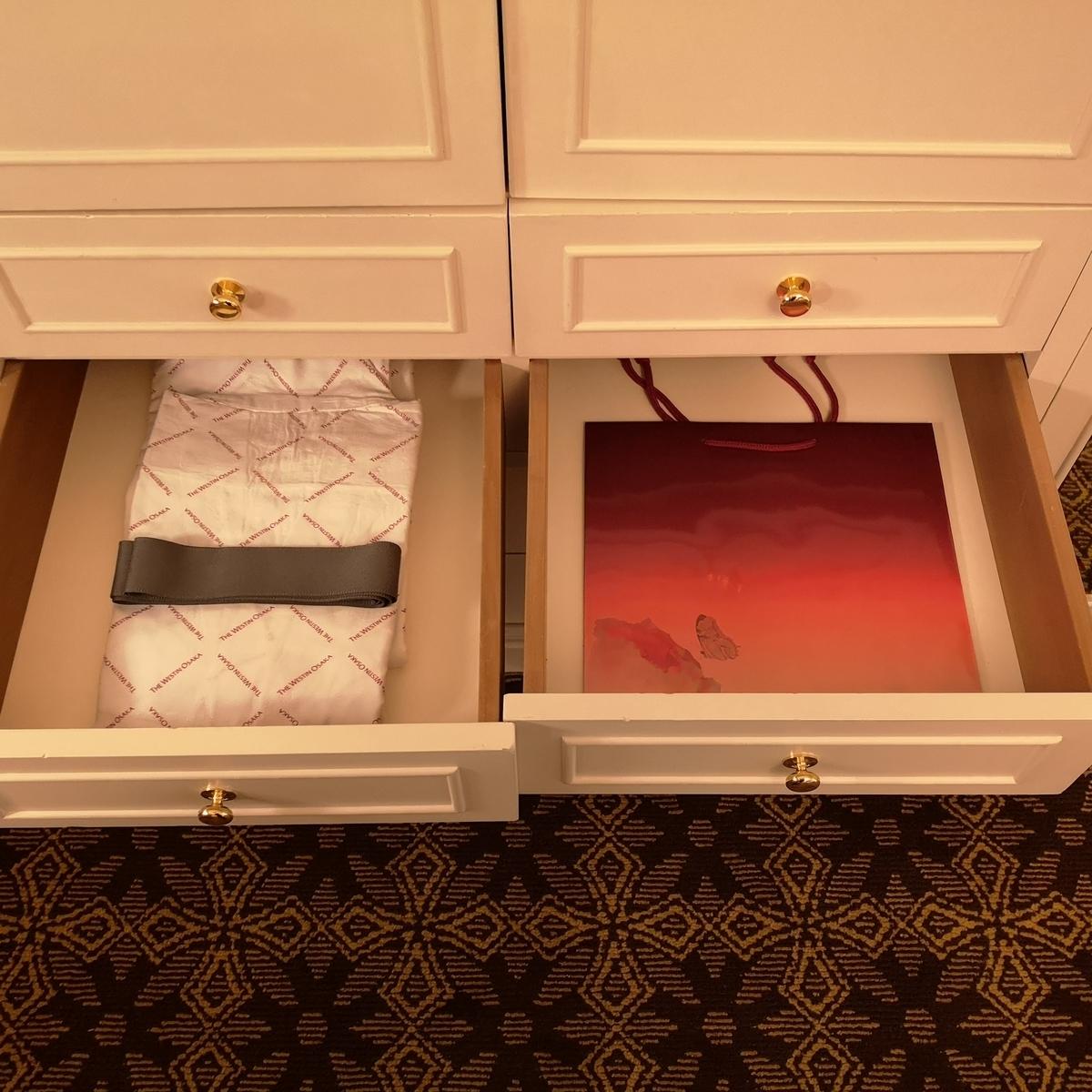 ウェスティンホテル大阪 エグゼクティブスイート ベッドルーム クローゼット