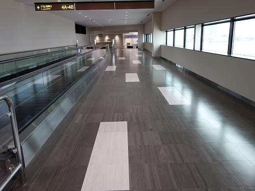 伊丹空港の新しい通路