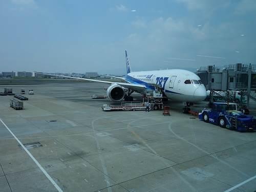 羽田行き機体