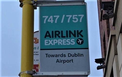 空港までのバス停