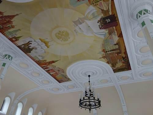 駅の天井画