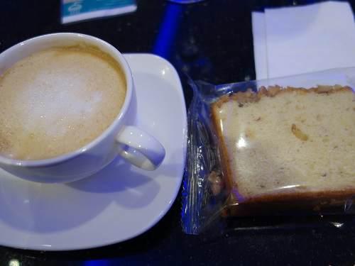 コーヒーとバナナケーキ