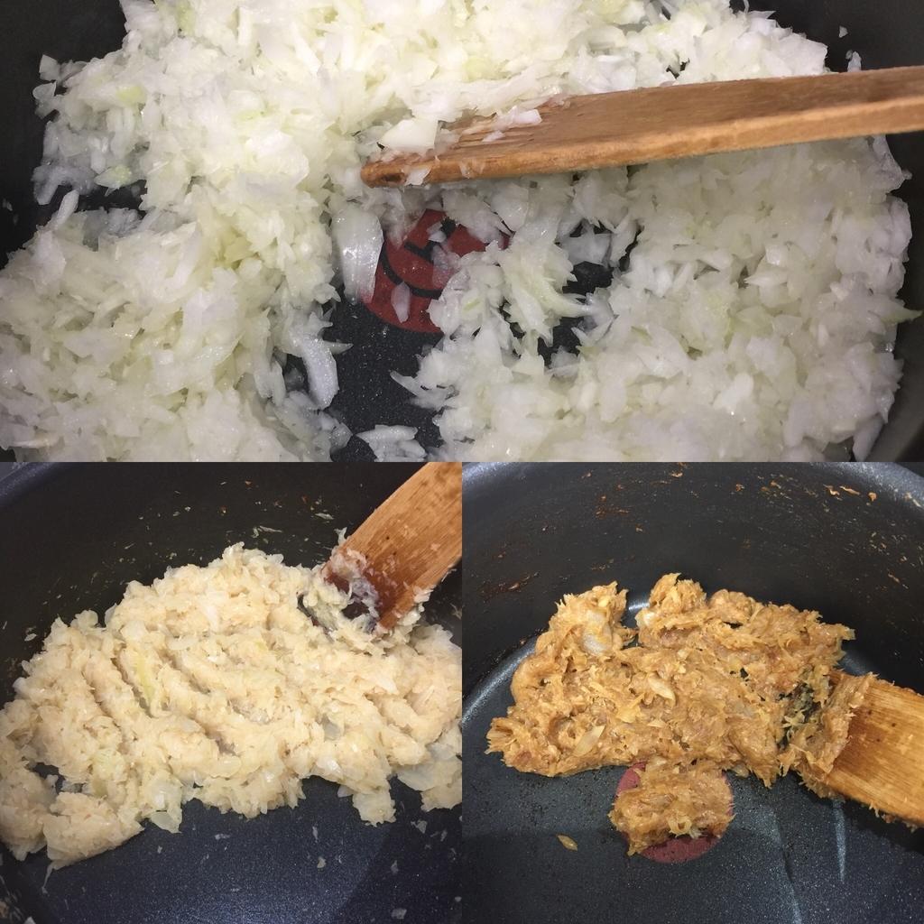 炒めているタマネギの段階の色の変化
