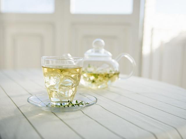 ガラス茶器のハーブティ