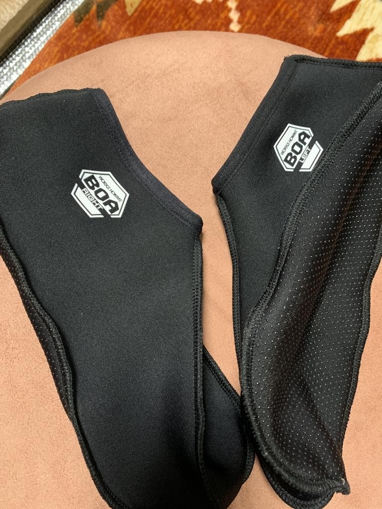 靴下の上から履く靴下カバー