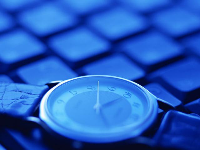時計とパソコン