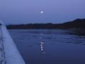 [風景][気仙沼][三陸][リアス][森][海]夜明けの月(大島瀬戸)