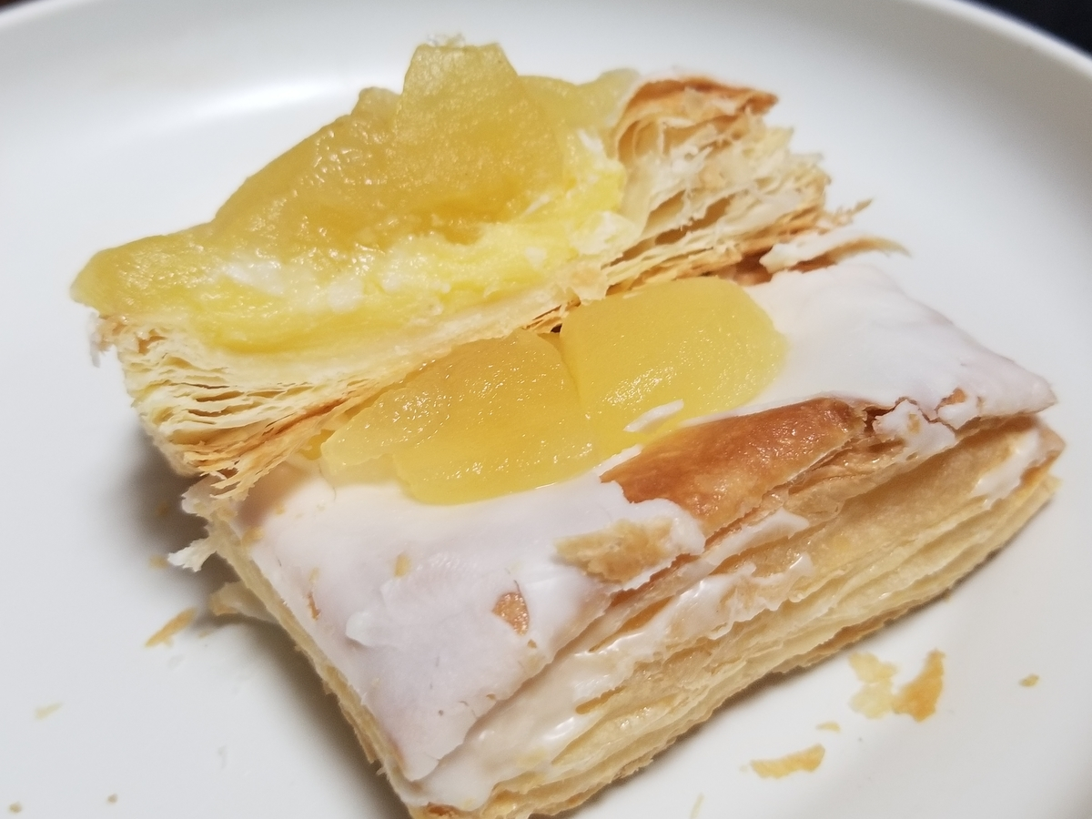 ファミリーマート 冷やして食べるしゃきしゃきりんごのアップルパイ