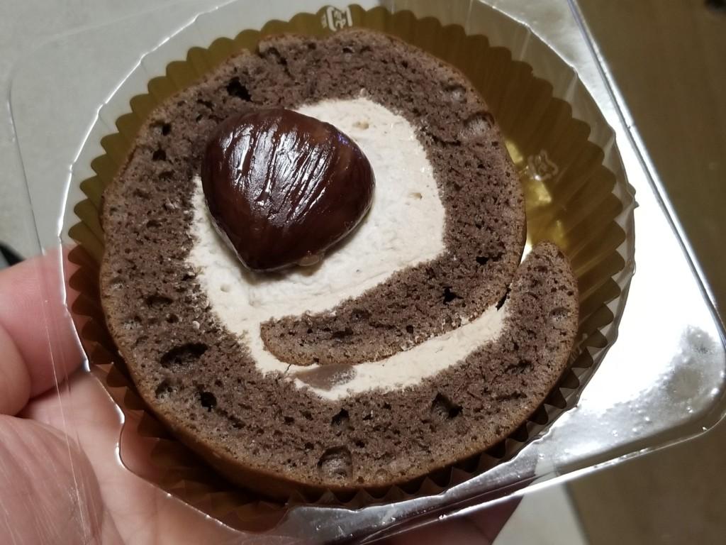 デイリーヤマザキ ひとつぶ栗のロールケーキ