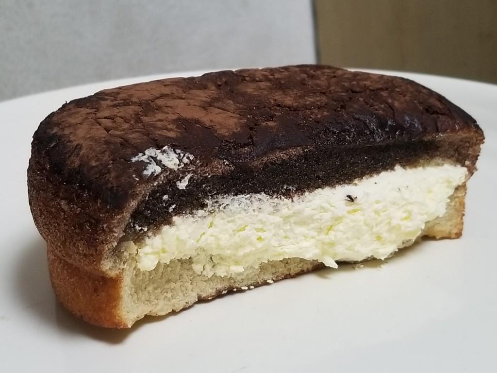 ファミマ ふわふわティラミスケーキ イタリア産マスカルポーネ入りクリーム