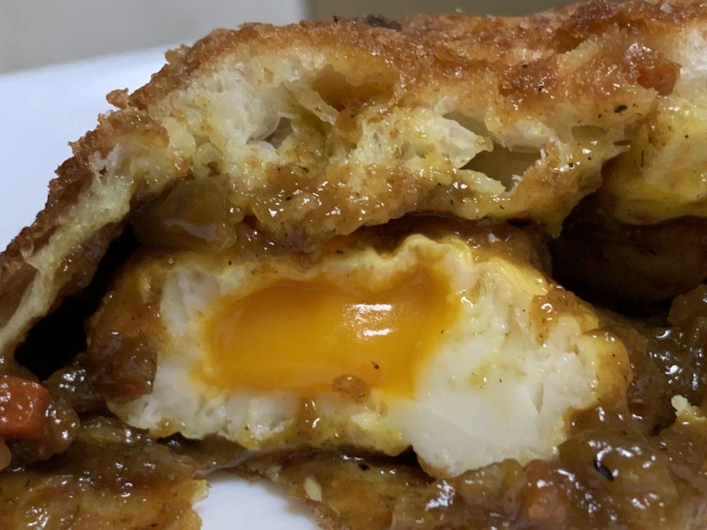 本町torico 半熟たまごのカレーパン