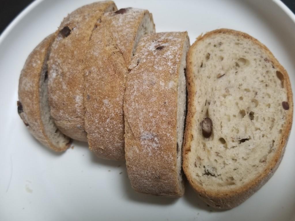 Pasco 窯焼きパスコ 国産小麦のやわらかフランス 三種の豆