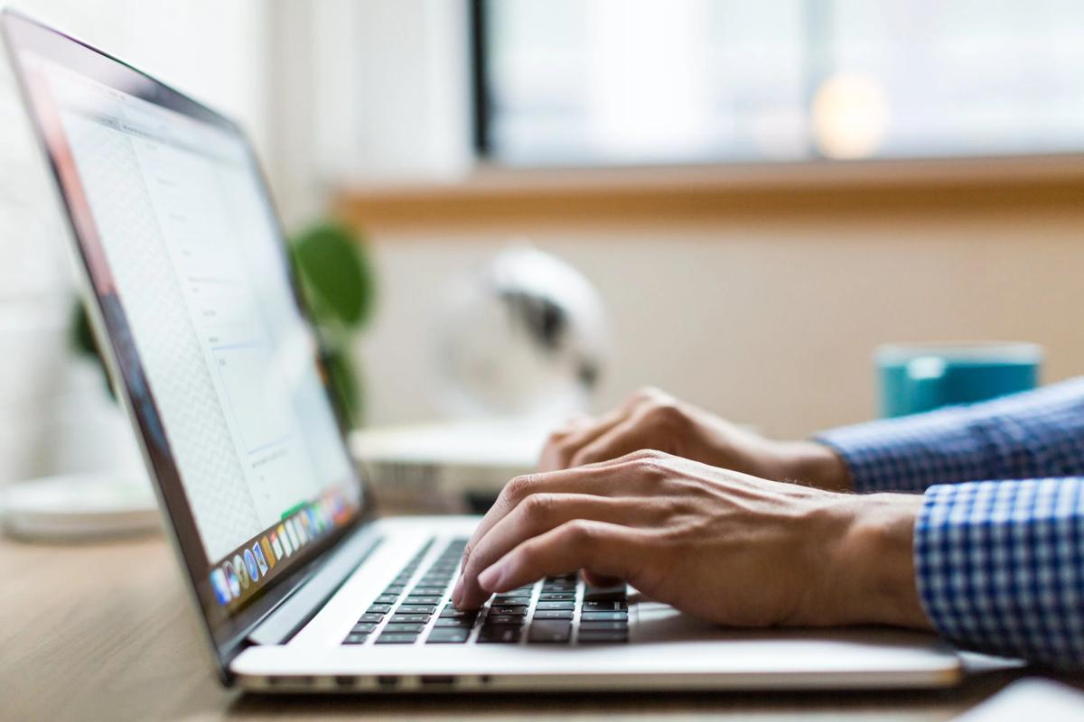 転職するならプログラミングスクールに通うべき?