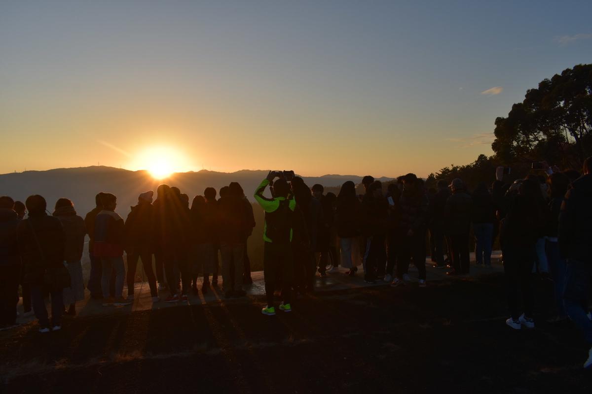 東山山頂公園の初日の出