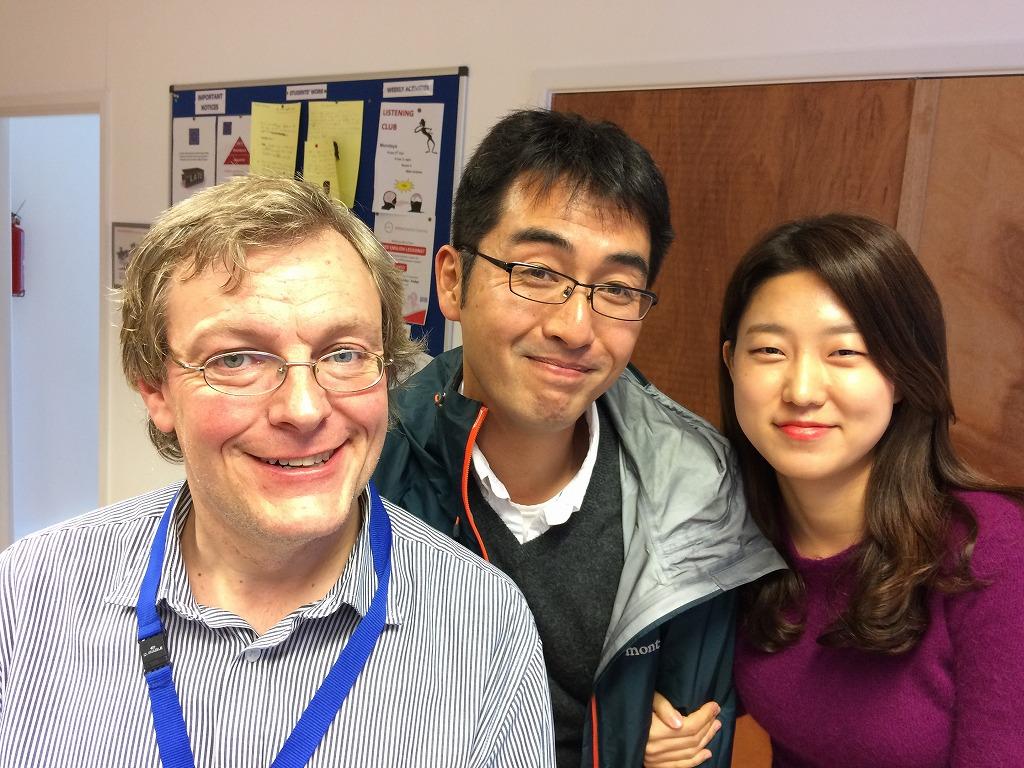 ETCでの担任オリバー先生とクラスメートのユンジュと
