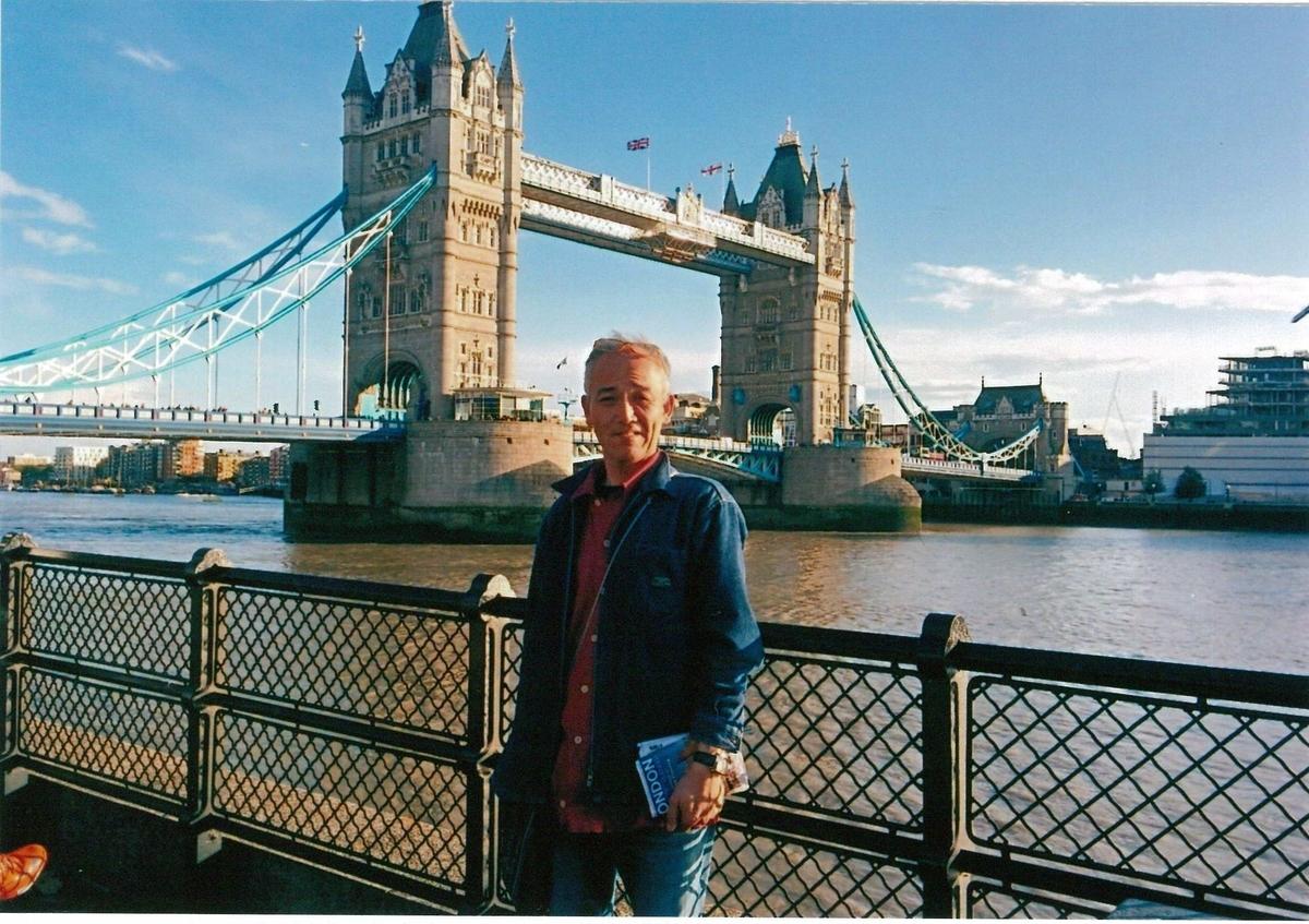 ロンドンのタワー・ブリッジにて