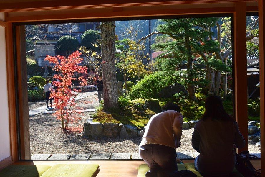 正寿院・本堂の紅葉 見頃 2019年11月17日 撮影:MKタクシー