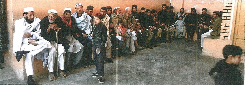ダラエヌール診療所。診察を待つ人々(2020年2月2日)