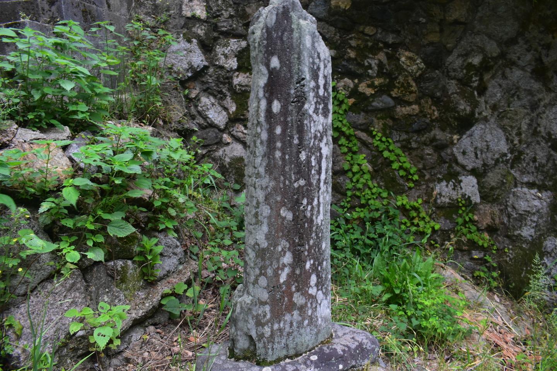 鳴滝の芭蕉句碑 撮影:MKタクシー