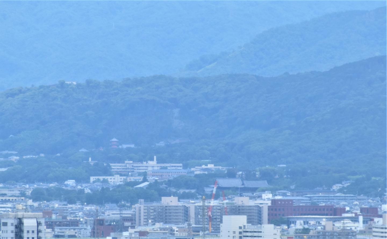 京都市南部クリーンセンター さすてな展望台より東山方面遠望 2021年6月20日 撮影:MKタクシー