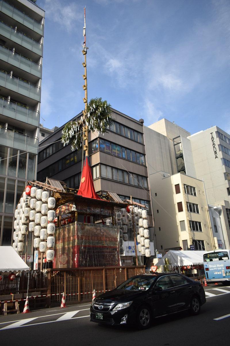 月鉾の山鉾建てとMKタクシー 2018年7月13日 撮影:MKタクシー