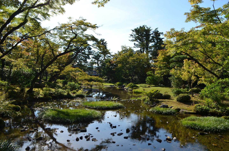 涼やかな水の流れの景色が味わえる