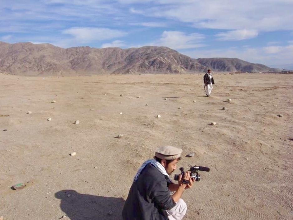 10年前、2009年12月のガンベリ沙漠。撮影中の谷津さん